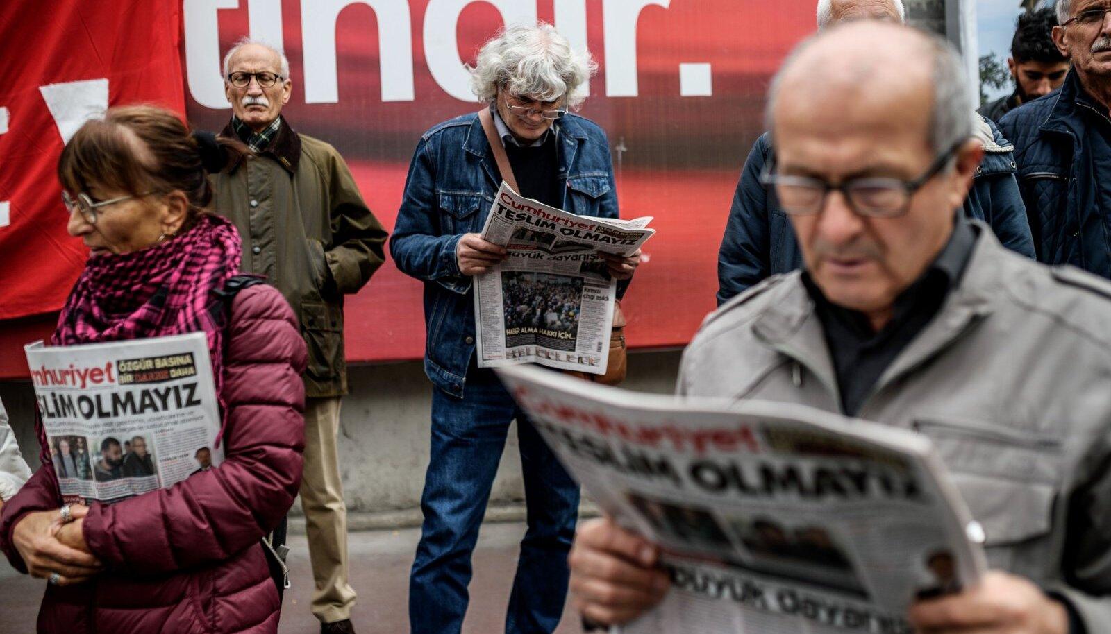 Türgi oli 2006. aastal tabelis 98. kohal, nüüd 151. kohal. Esmaspäeval vahistati suure päevalehe Cumhuriyet peatoimetaja.