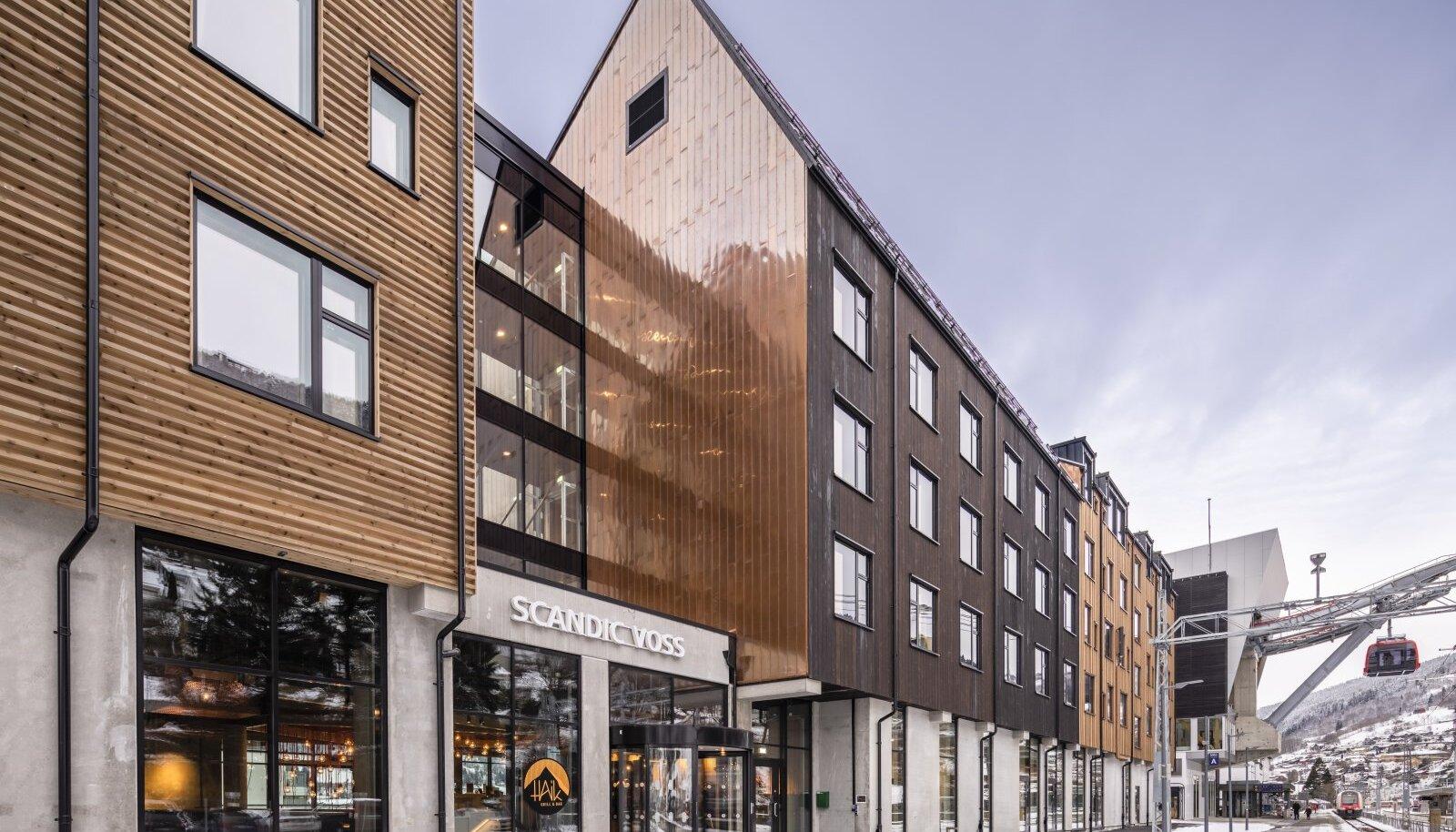 Meeskondlik saavutus. Kodumaja ehitatud hotellihoone Norra linnas Vossis võitis Eesti Puitmajaliidu ja -klastri korraldatud Aasta Tehasemaja 2021 konkursil üldvõitja tiitli, samal võistlusel ka parima avaliku hoone tiitli.