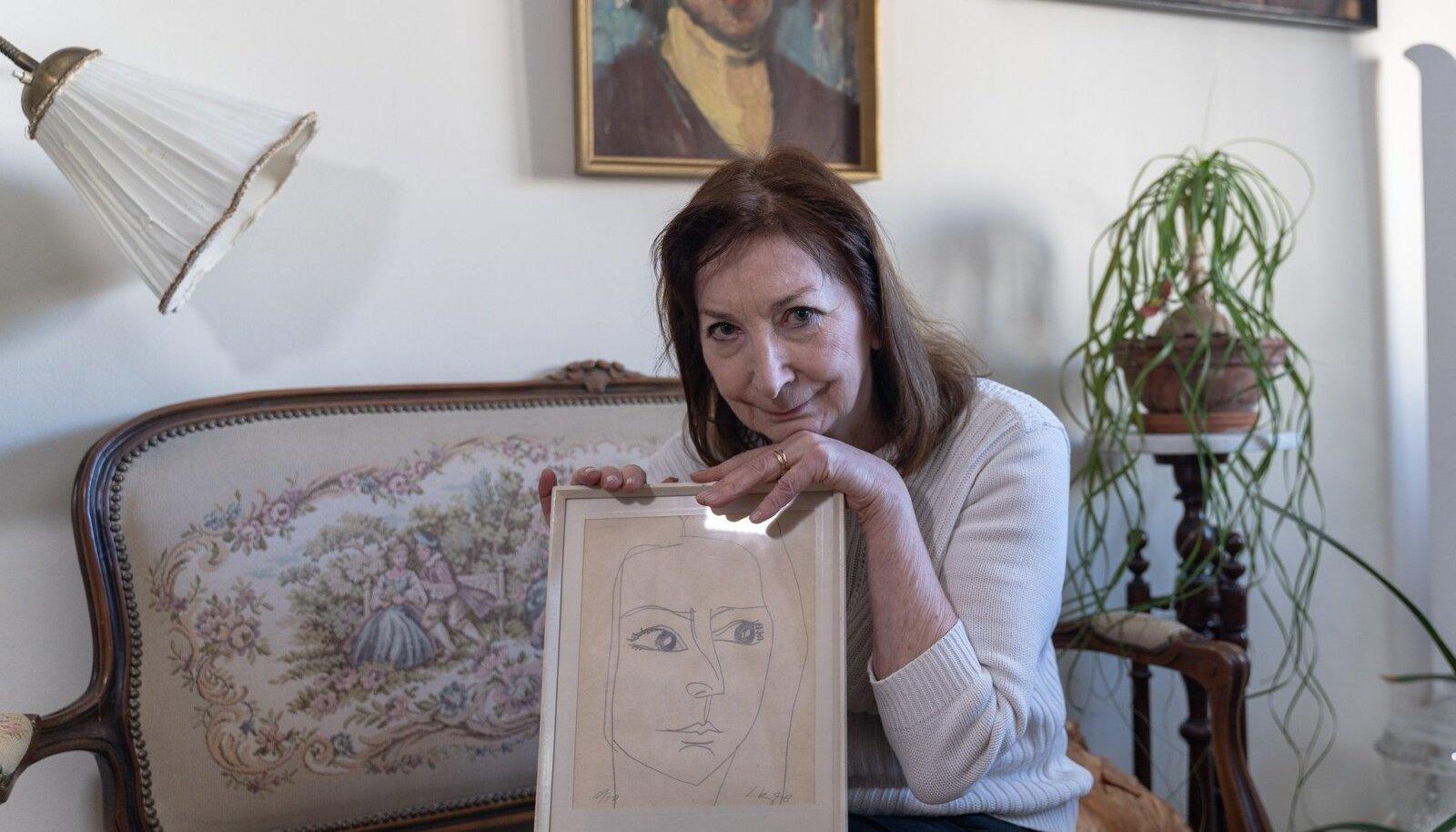 SIUH-SAUH PORTREE: Lembit Lepp visandas Mariina Mälgust portree 1970. aastal.