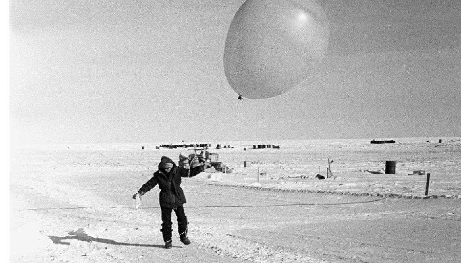 1975. aastal Vostokis.  Maa külmarekord on veel püstitamata.