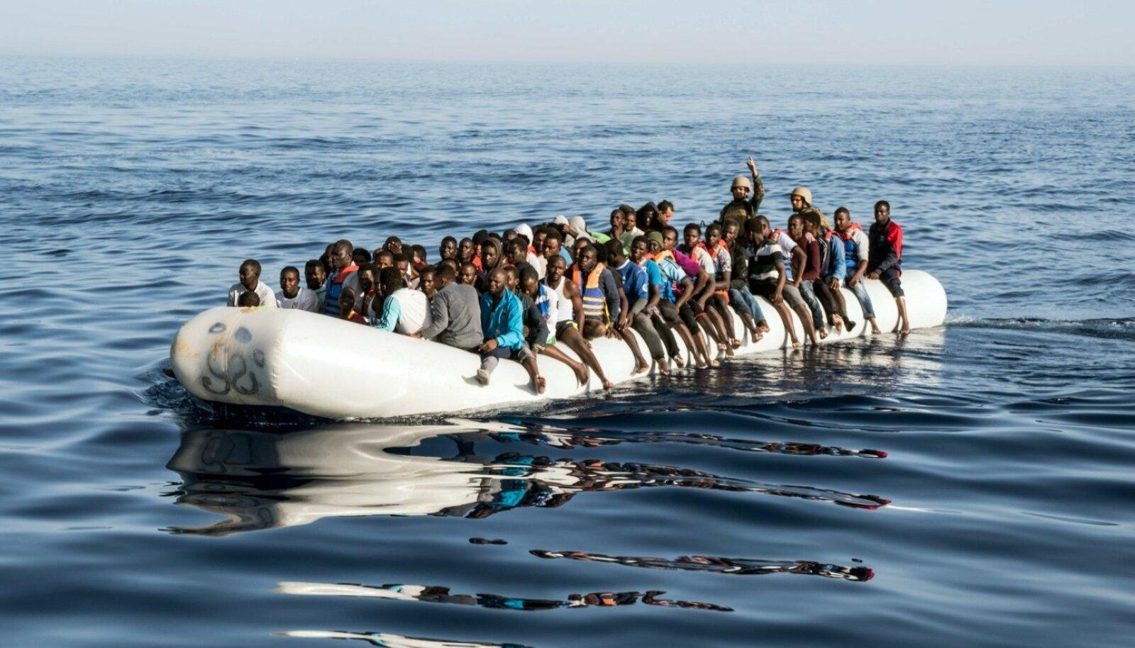 27. juunil päästeti Liibüa rannikul 147 põgenikku. Itaalia rannavalve teatel tuli seal viimase 48 tunni jooksul päästa üle 8000 inimese.