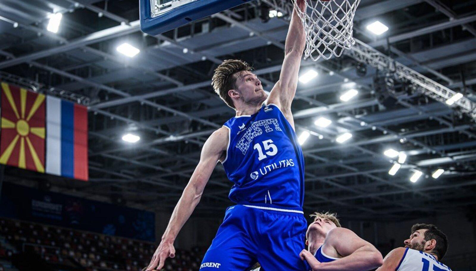 Maik-Kalev Kotsar viskas 32 punkti. Oleks visanud veelgi rohkem, aga tema pealtpaneku nurjas Kristian Kullamäe õnnetu ründeviga.