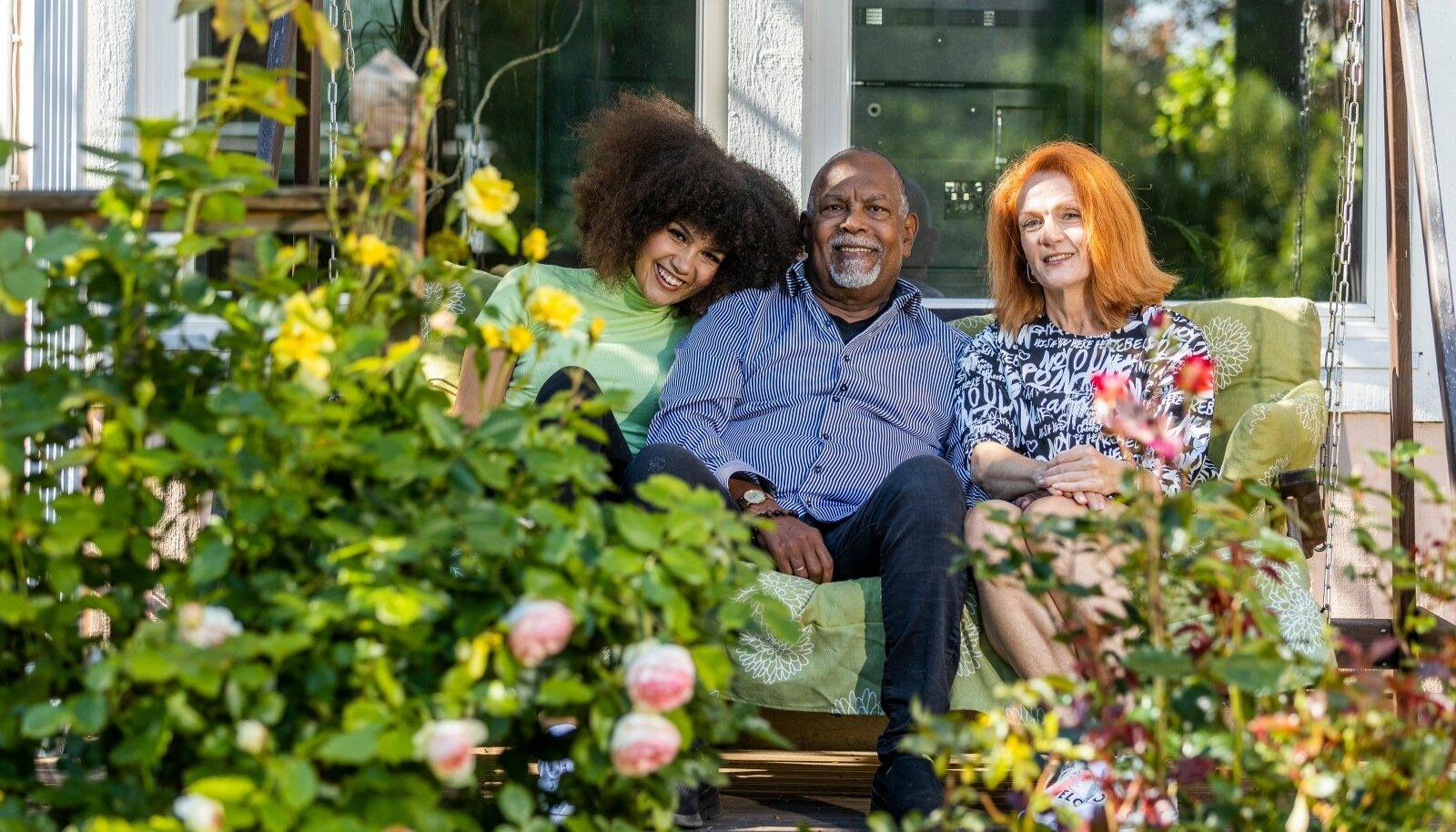 Dave tütar Sissi ja abikaasa Marisega
