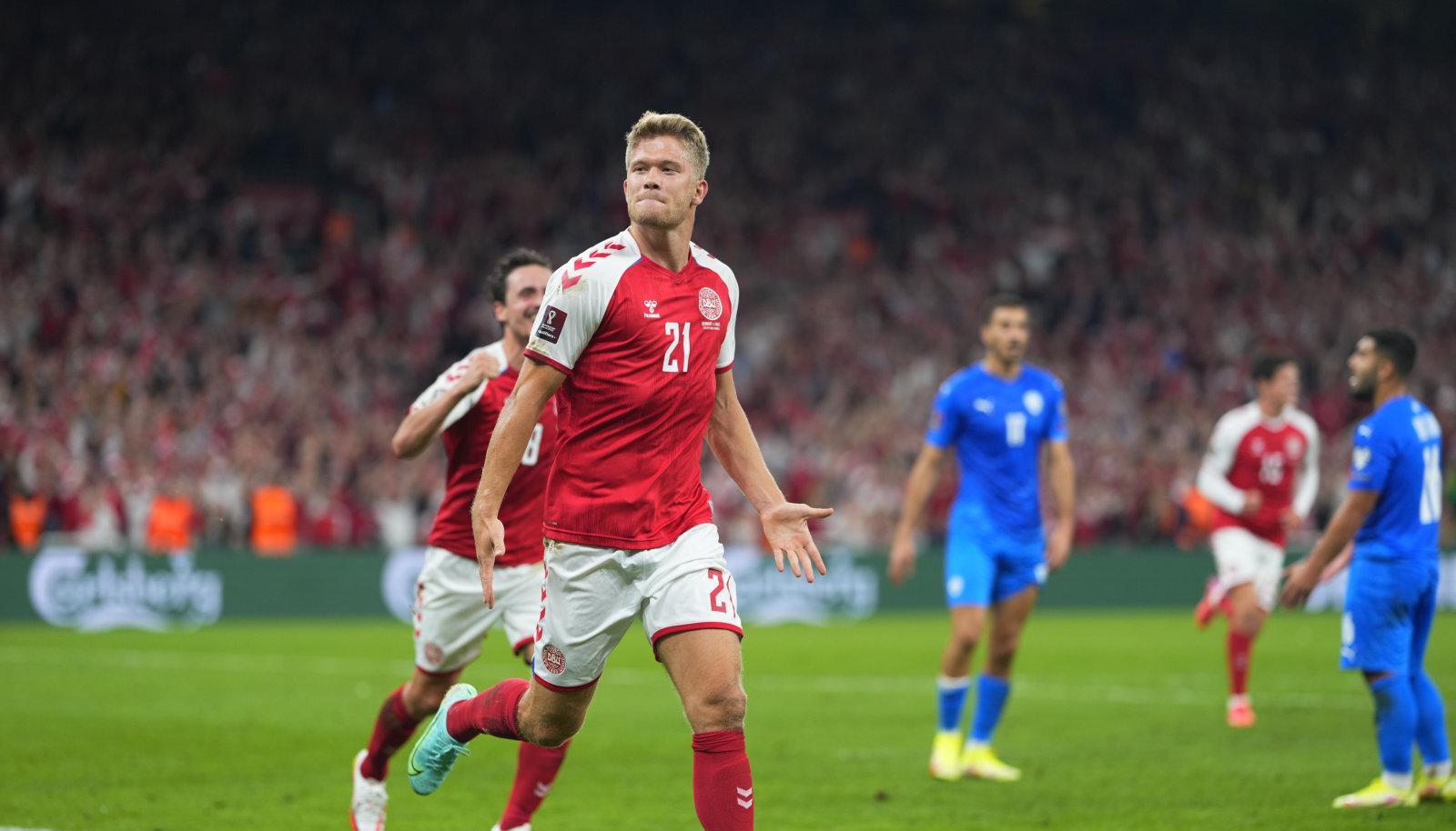 Taani viienda värava löönud Andreas Cornelius.