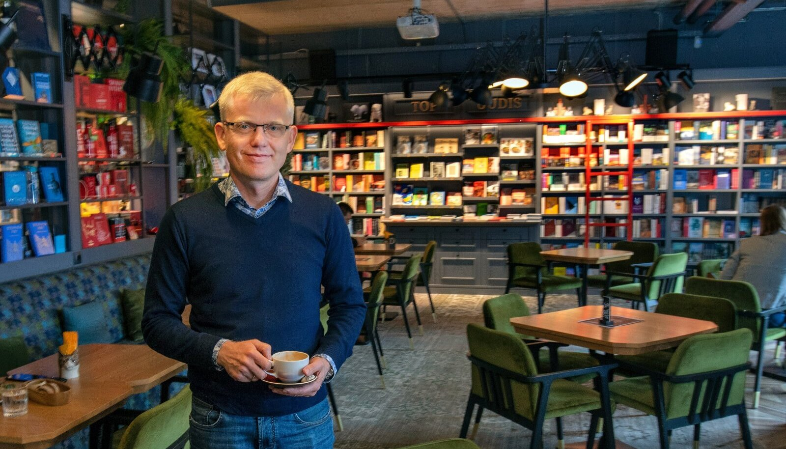 Rahva Raamatu juhatuse esimees Viljar Ots on nördinud, sest neid ei kohelda teistega võrdselt.