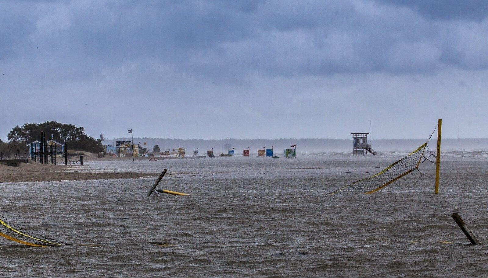 Sügistorm Pärnu rannas 26. septembril 2018.