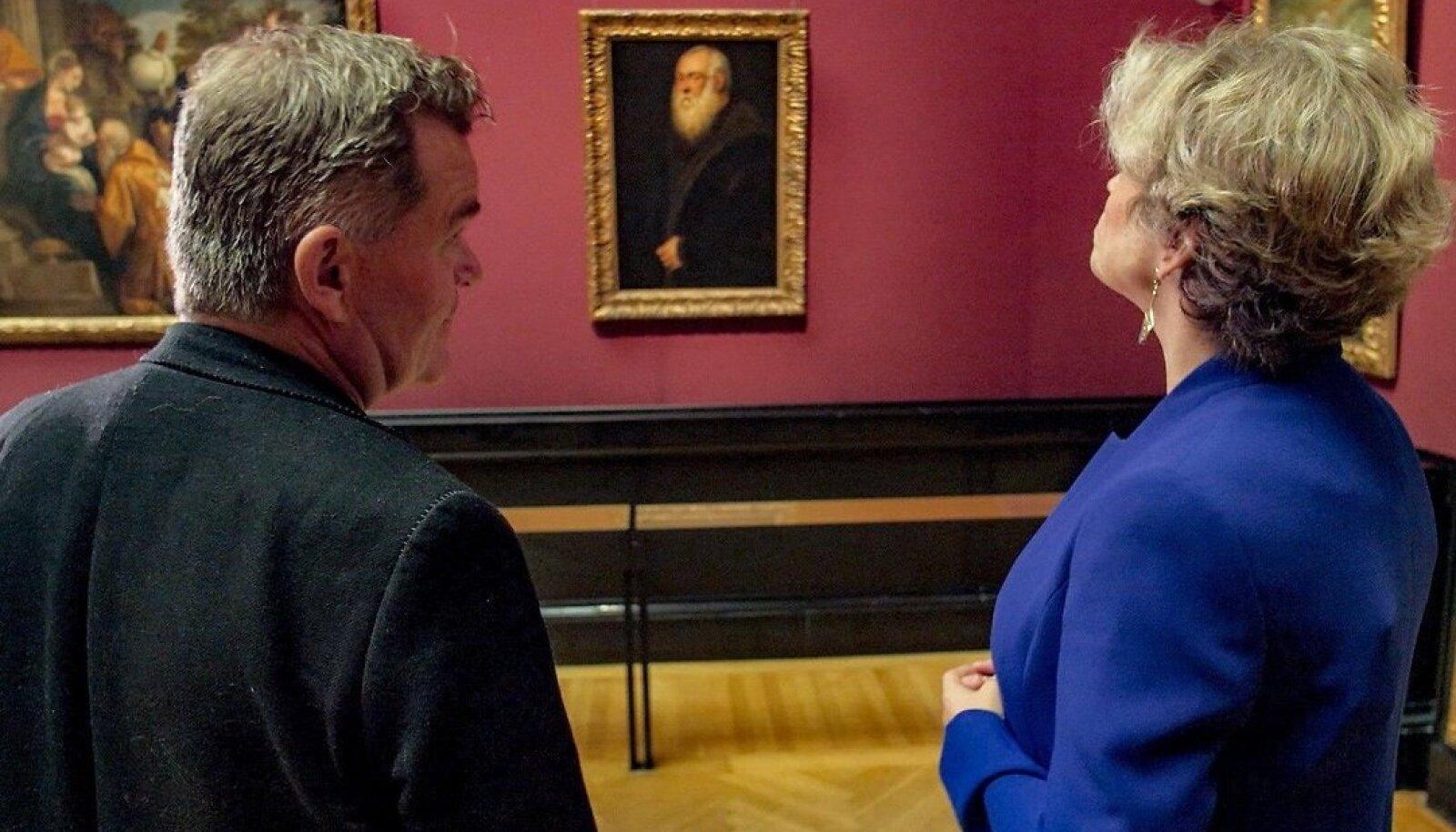 Näitleja Cornelius Obonya ja Viini kunstiajaloo muuseumi juht Sabine Haag arutavad vanade meistrite loomingut.