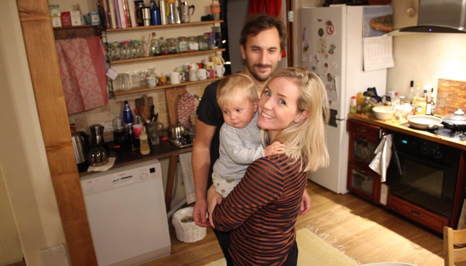 Rootsis elav eestlanna Kadri Saar ja tema rootslasest elukaaslane Petter Pehrson vaatavad televisiooni peamiselt veebi kaudu. Kui nende peatselt aastaseks saav tütar Alexandra suureks kasvab, on Eestis veel traditsioonilise ehk lineaarse televisiooni vaatamine marginaalne.