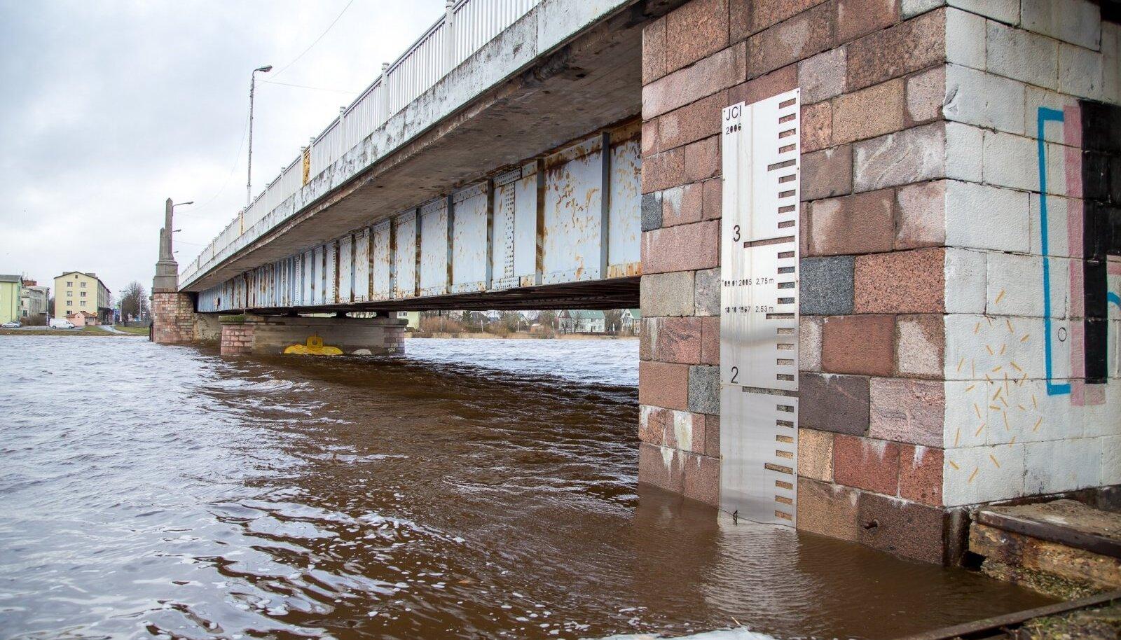 Tormi vaibumine ja vee taandumine Pärnus