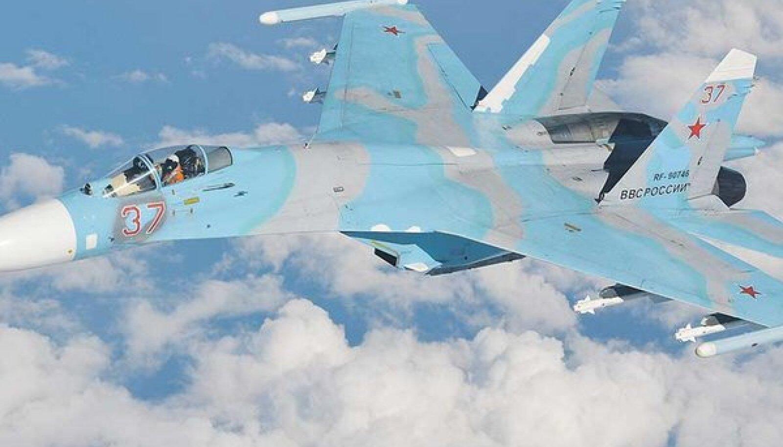 Vene hävitaja Su-27 Flanker, üks Eesti õhuruumi lähedal pildile jäänud lennukitest