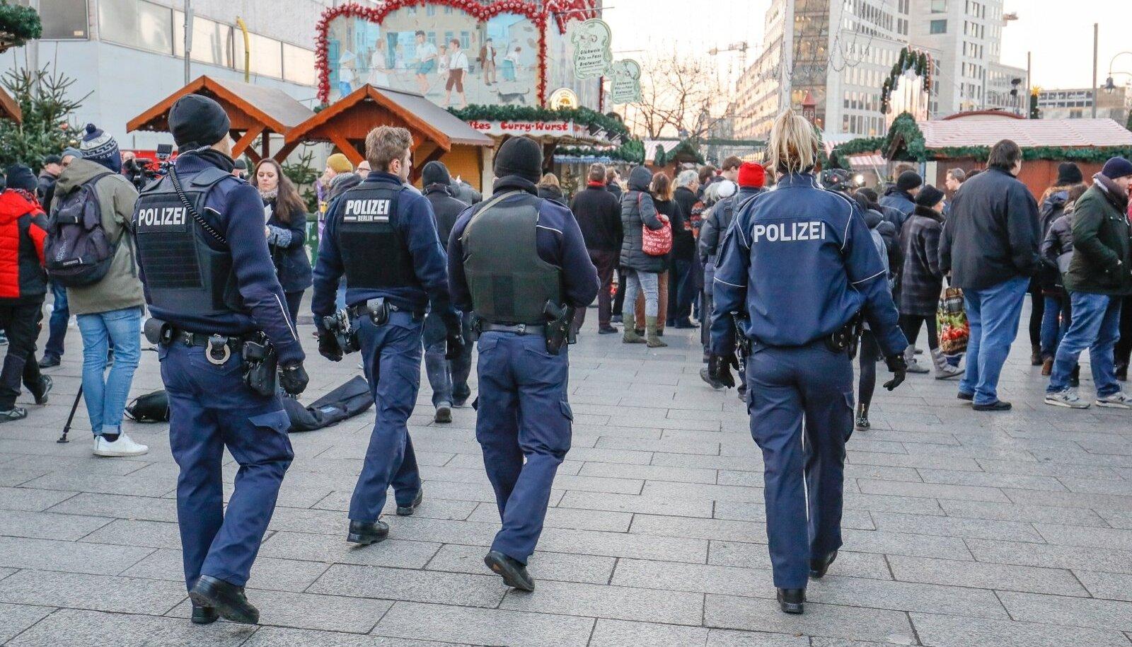 Pärast rünnakut pöörab politsei Berliini jõuluturgudele suurt tähelepanu. Patrullid on tavaliselt neljaliikmelised.