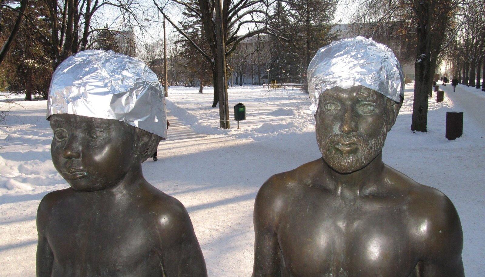 Fooliummütsid pähe