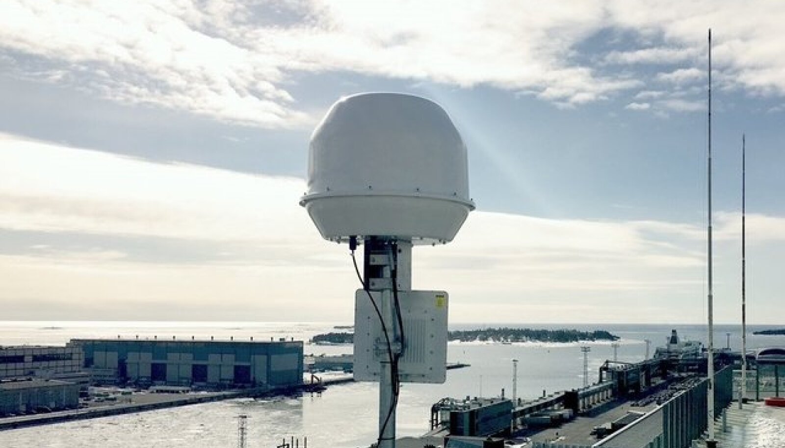 Megastari pardal kasutatav antenn