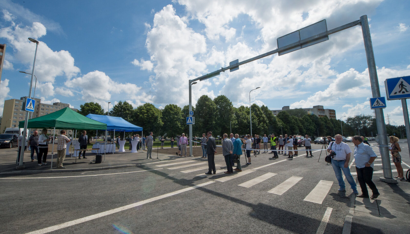 Tallinnas Paldiski maanteel betoontee katselõigu avamine möödunud aasta suvel.