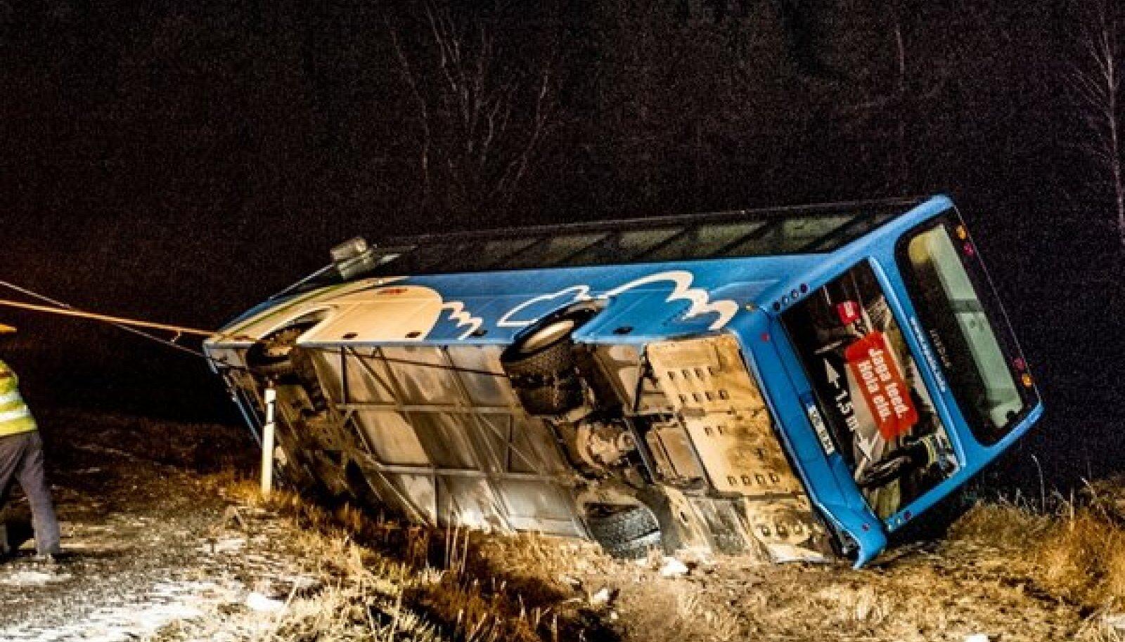 Nõva bussiõnnetus