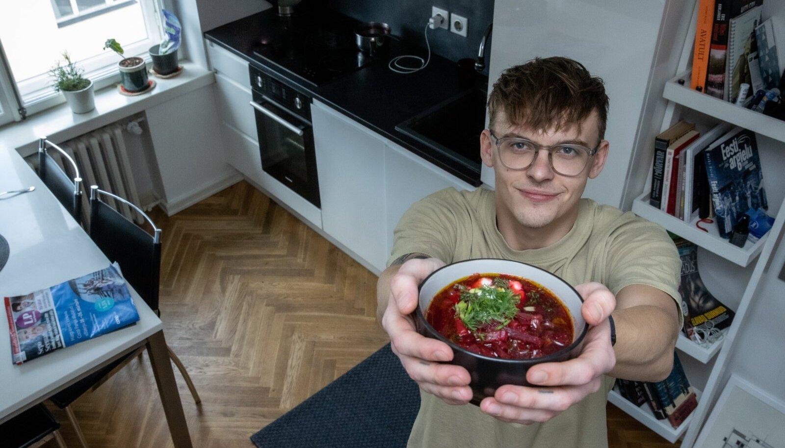 Jüri Pootsmanni on tabanud supivaimustus. Taimne borš on küll maitsev, aga Jüri arvates võiks sinna ka sinki lisada. Head isu!