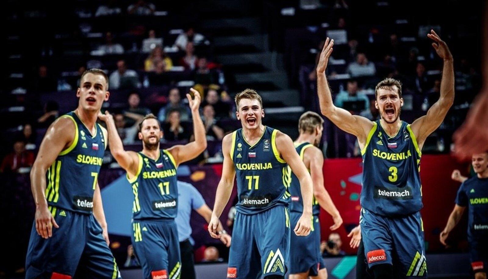 Sloveenia korvpallikoondise rõõm.