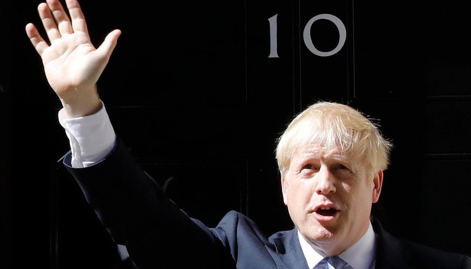 Esimeses kõnes peaministrina lubas Johnson, et ühendab riigi ja taastab rahva usu demokraatiasse.