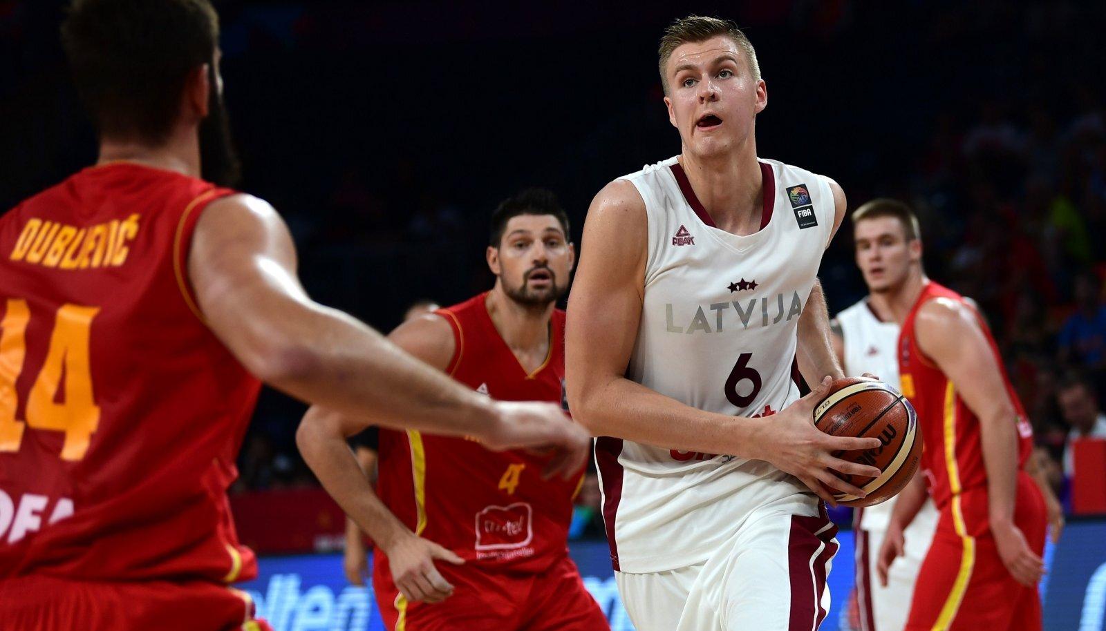 Läti koondise suurim staar Kristaps Pozringis 2017. aasta EM-il. Keegi ei tea, millal teda jälle koondise särgis näha saab, kuna valikmängudes NBA-staarid ju osaleda ei saa.