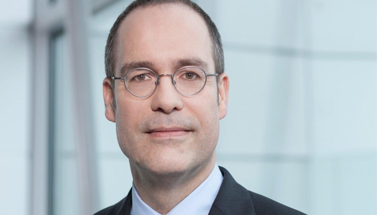 Commerzbank AG peaökonomist Jörg Krämer.