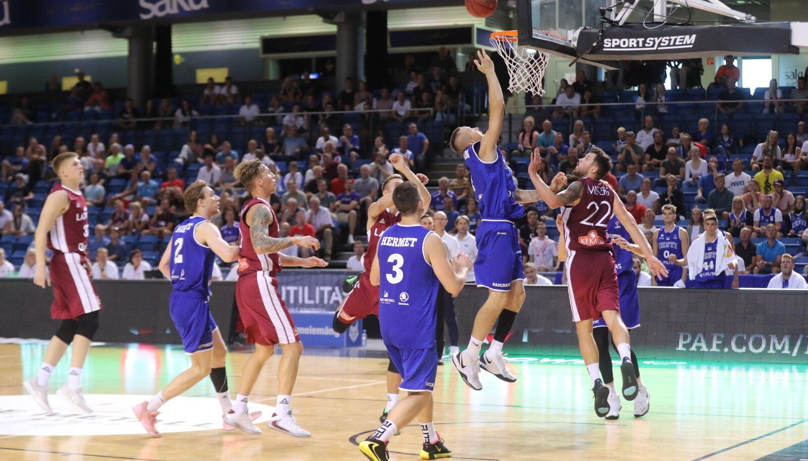 Eesti korvpallikoondis Läti vastu