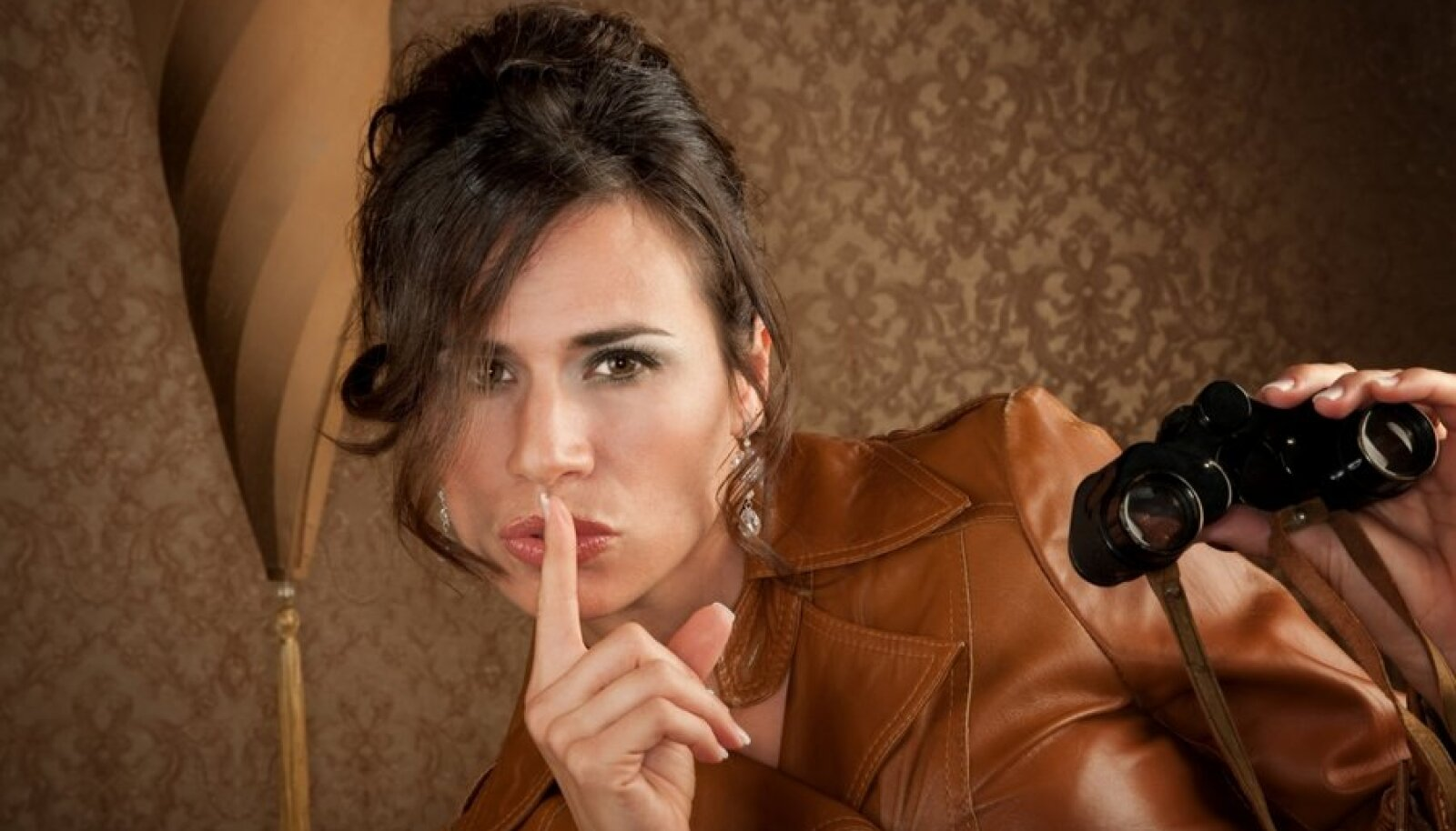 naine, saladus