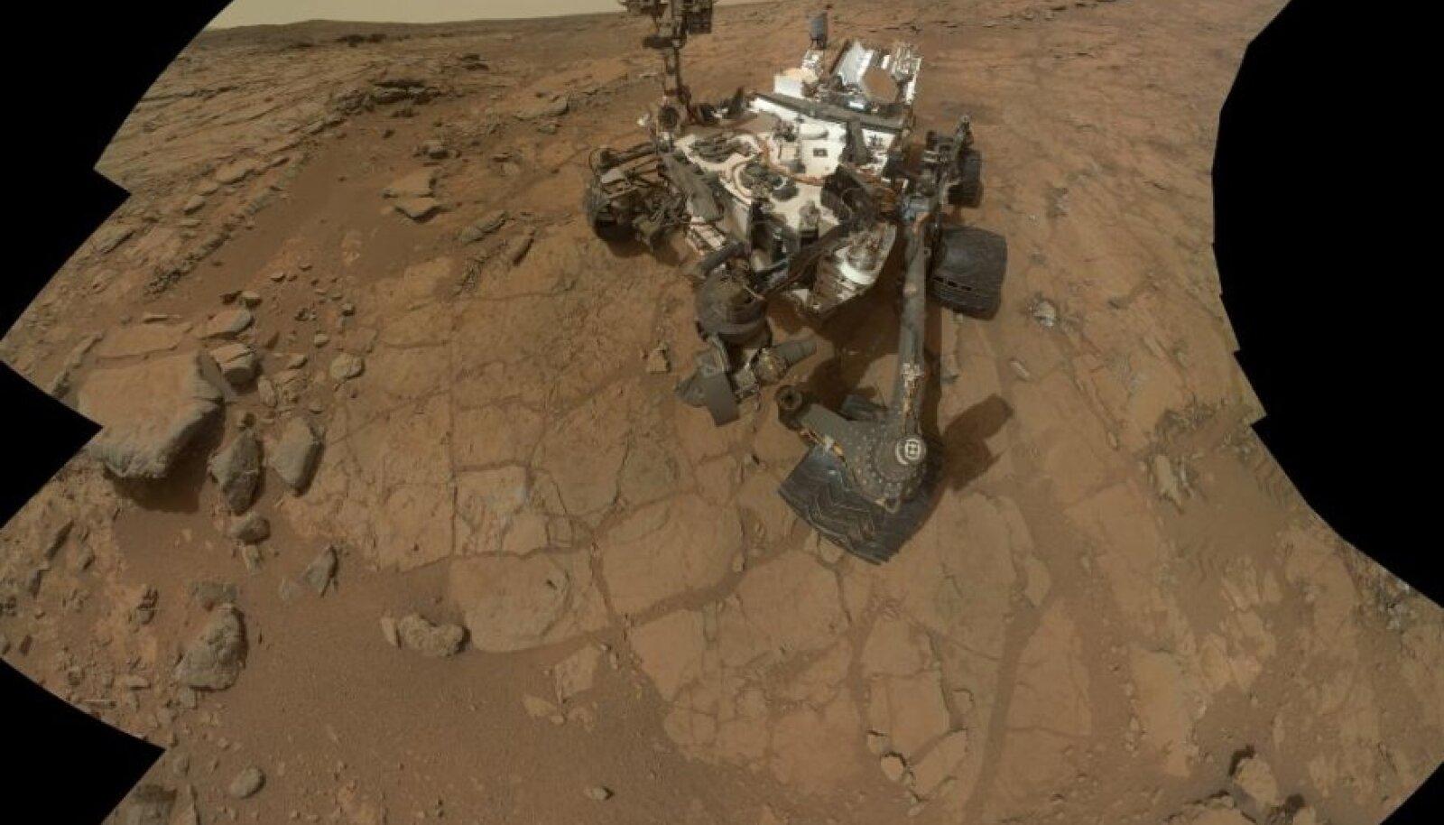 Curiosity suutis mingi nipi läbi iseennast pildistada.