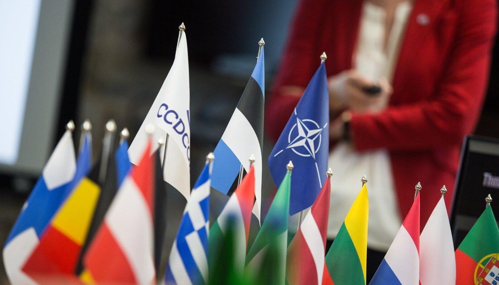 Jüri Ratas tutvus NATO küberkeskusekaitse tööga