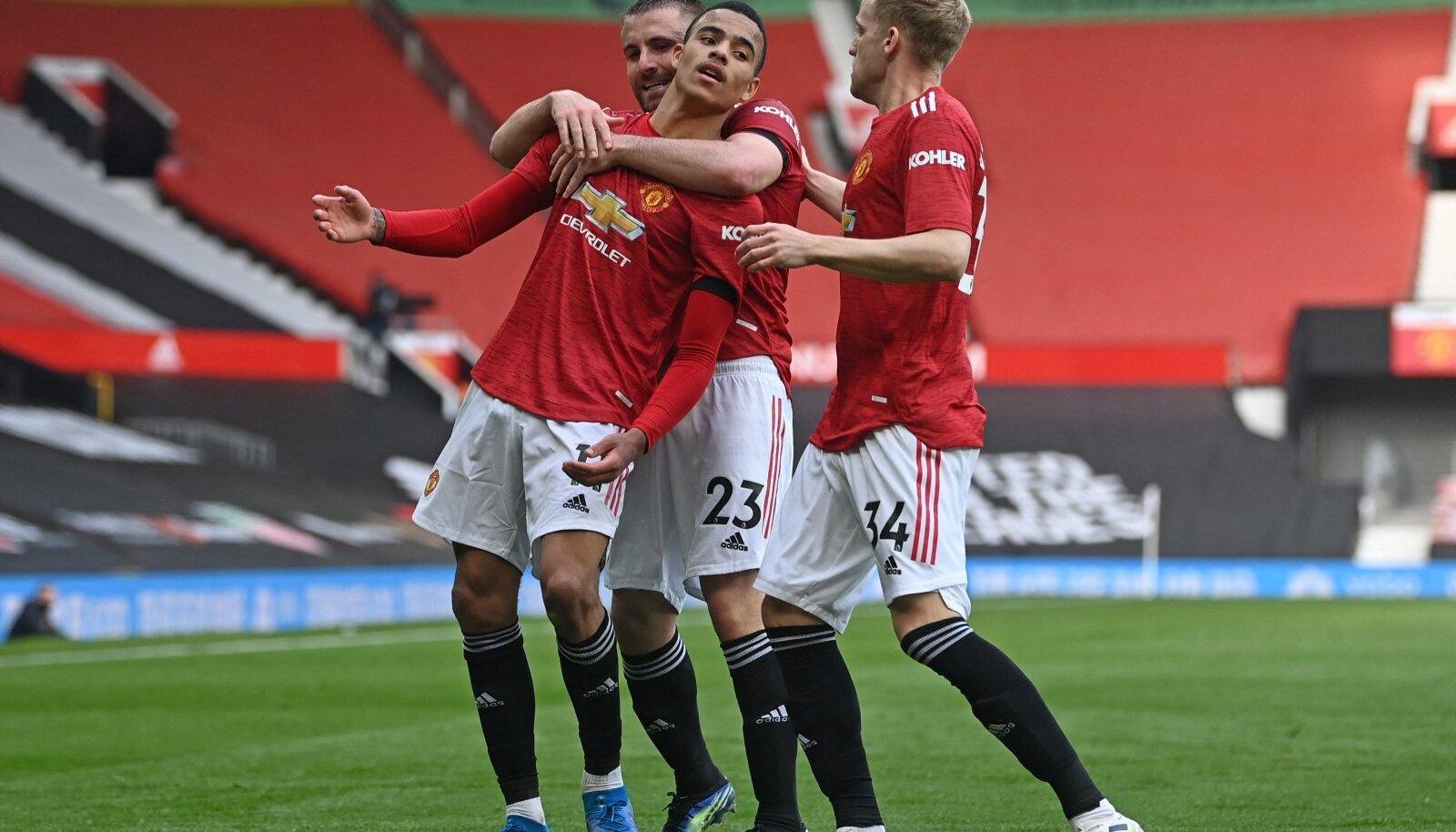 Manchester Unitedi mängijad väravat tähistamas.