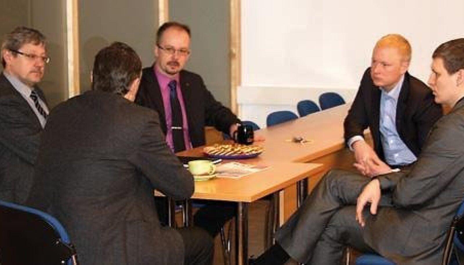 Kohtumine kahe valla omavalitsusjuhtide vahel 12. veebruaril Rae vallavolikogu saalis