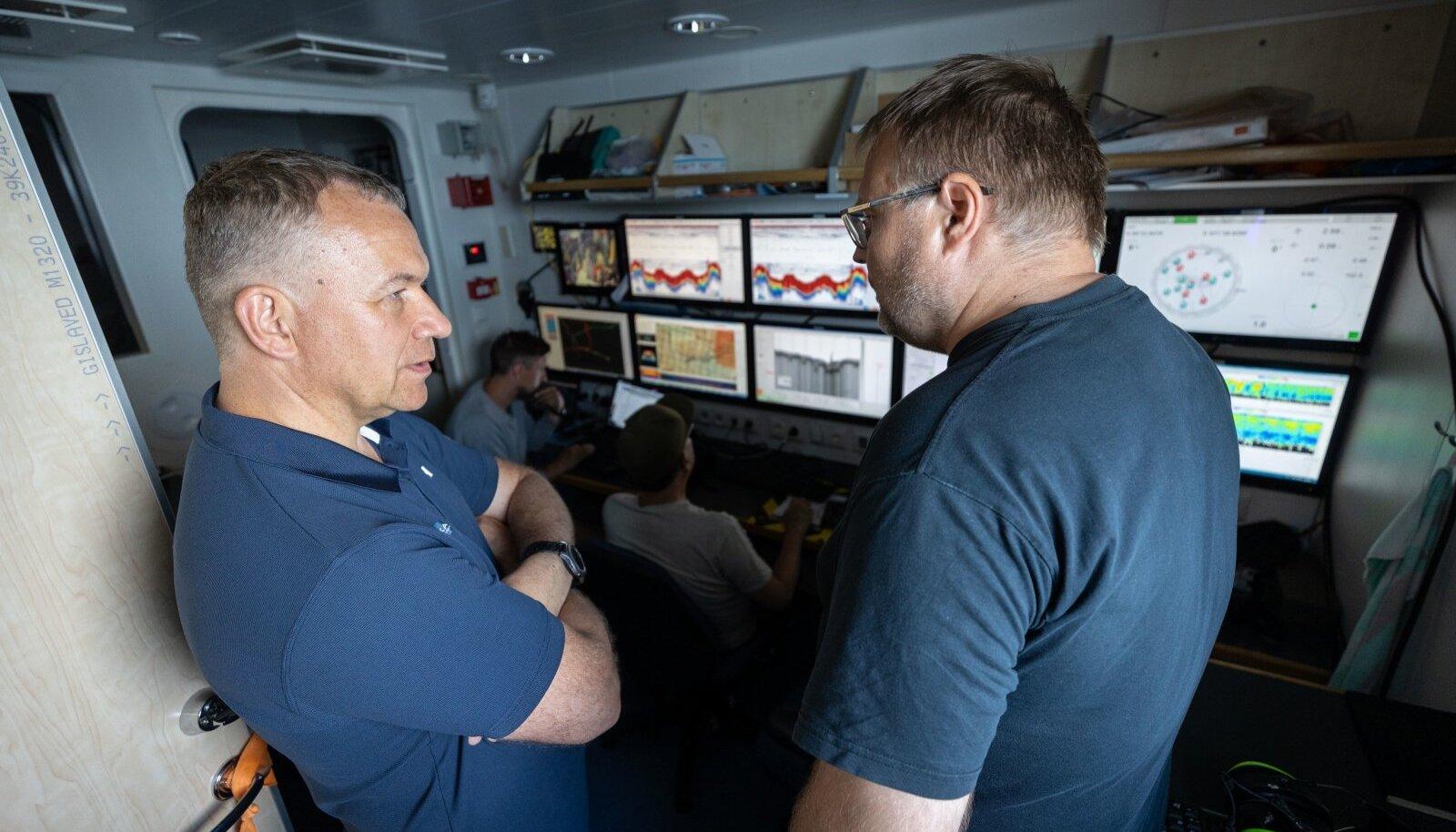 KAKS KANGET: Rene Arikas (vasakul) ja Peeter Ude suvisel ekspeditsioonil.