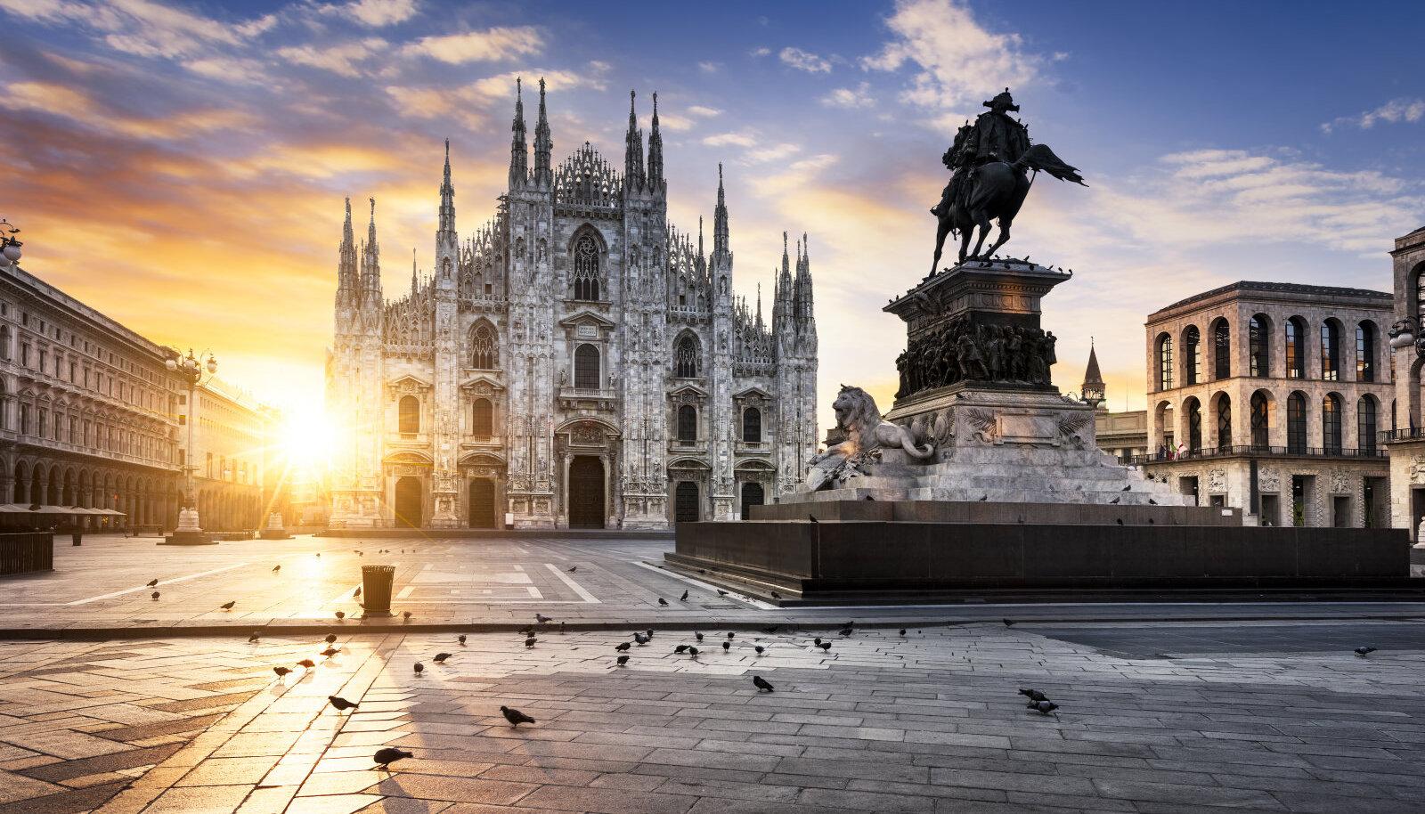 Piazza del Duomo Milanos