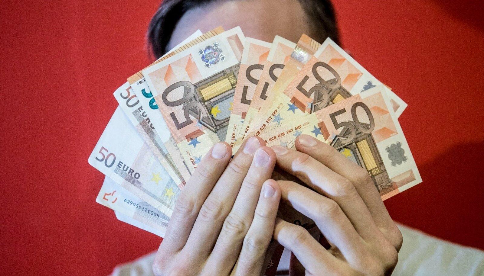Eesti on keskmise palga poolest kerkinud Euroopa Liidu keskmike sekka.