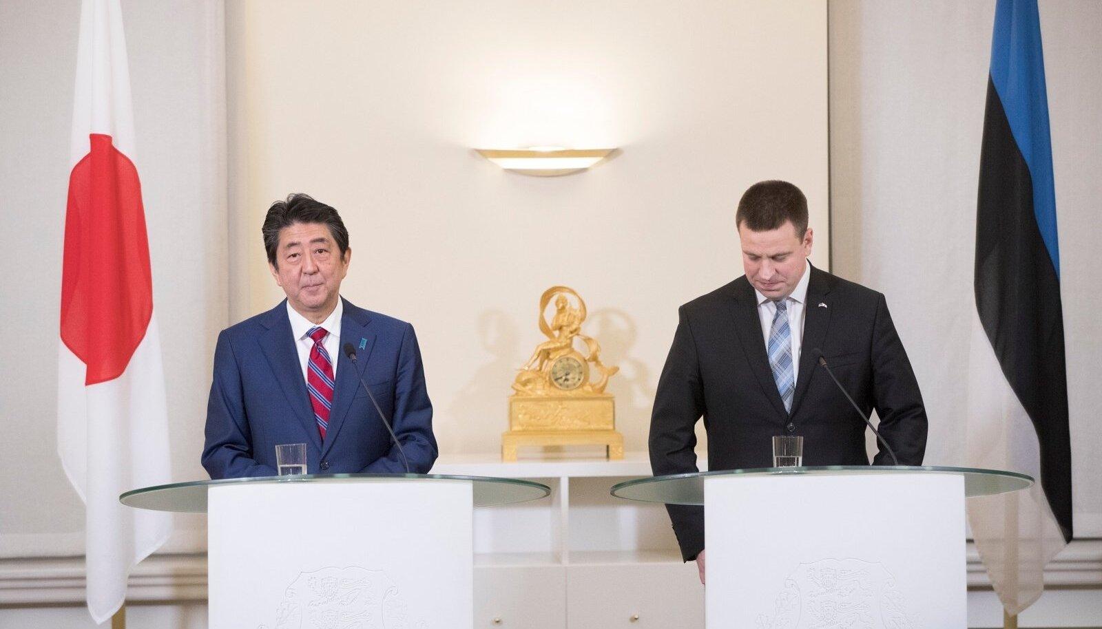 Jaapani peaminister Shinzo Abe ja Eesti peaminister Jüri Ratas.