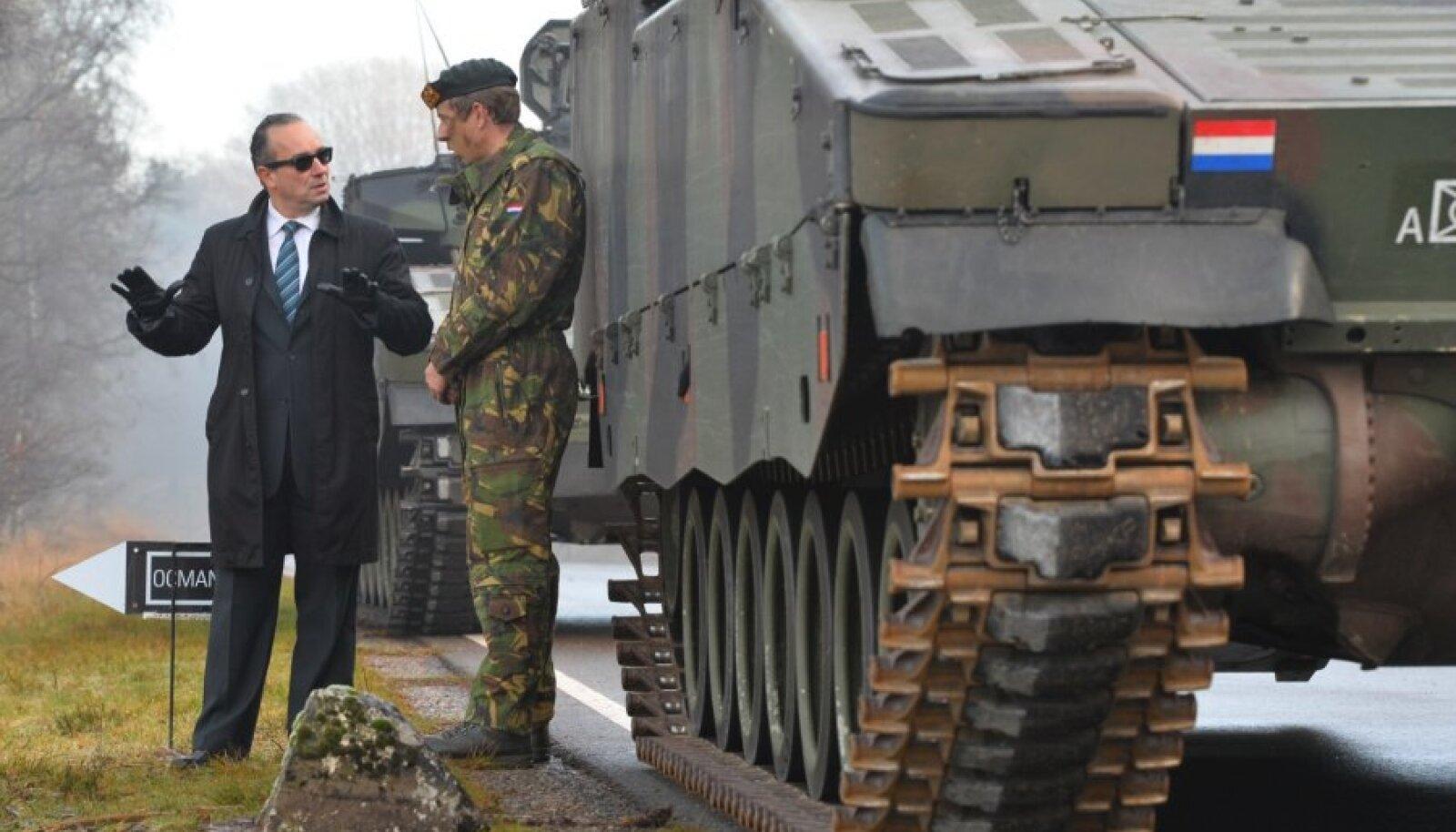 Relvatehingu sõlmimine Hollandis