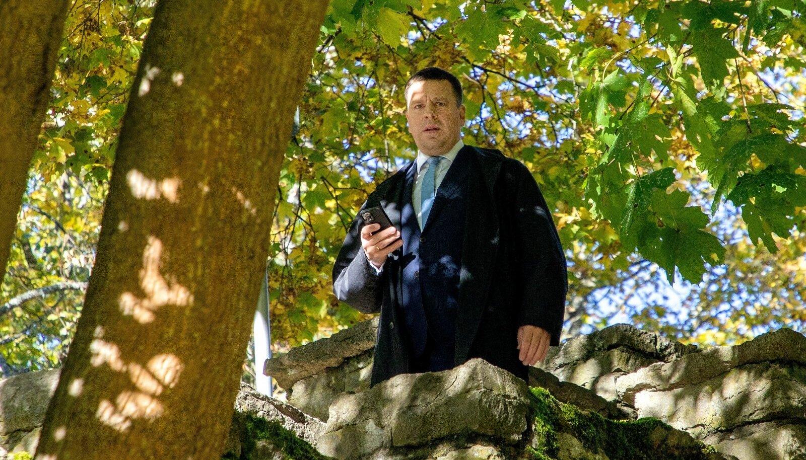 Jüri Ratas nendib, et suur roll jääb maaelu korralduses ka vabatahtlikule abile.