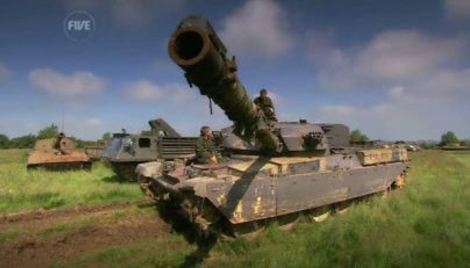 Fifth Geari Tiff ja Jason saavad tankisõidukoolitust