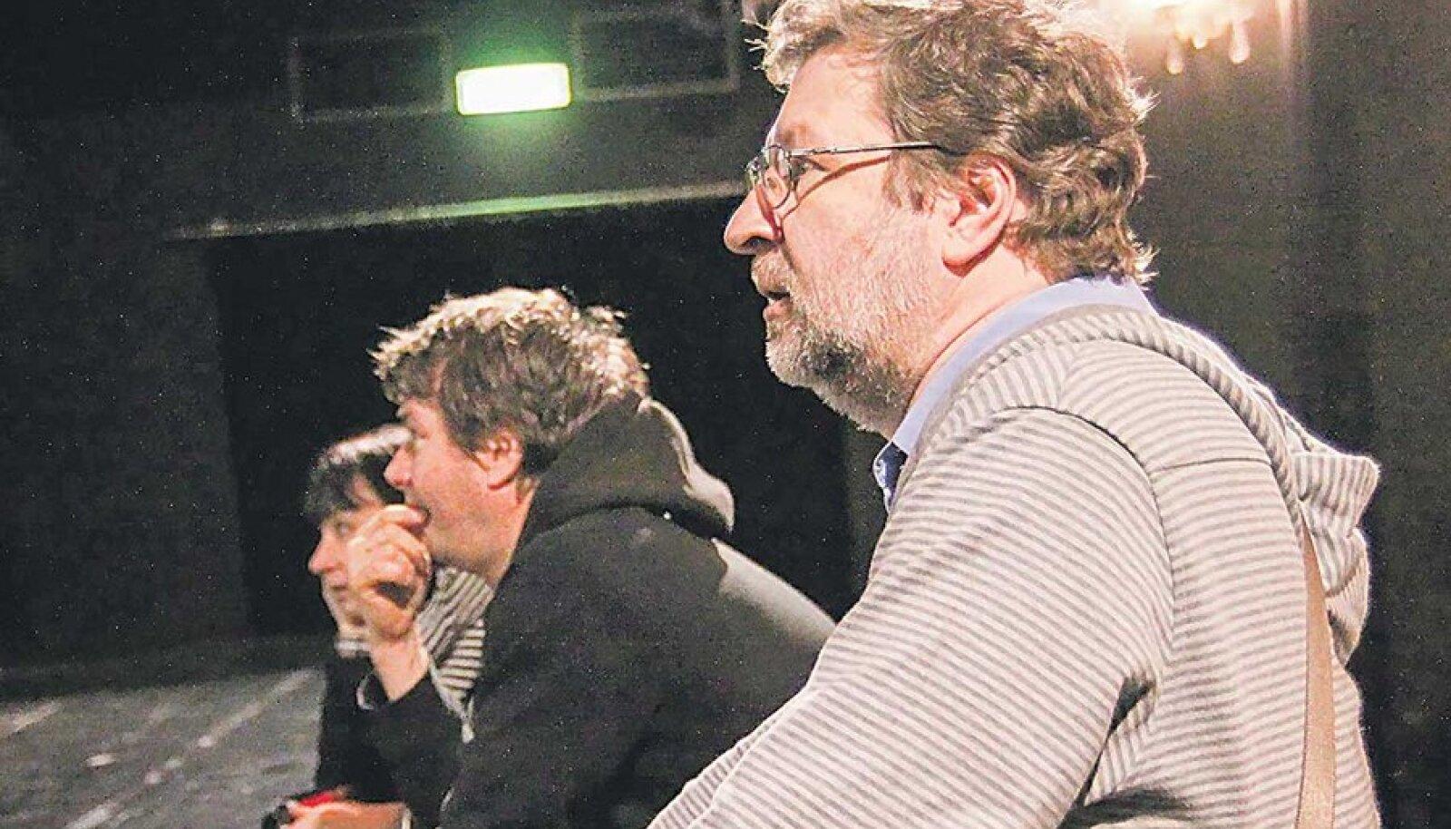Paremalt: Rein Raud ning kunstnikud Danius Liškevičius ja Rosita Raud.