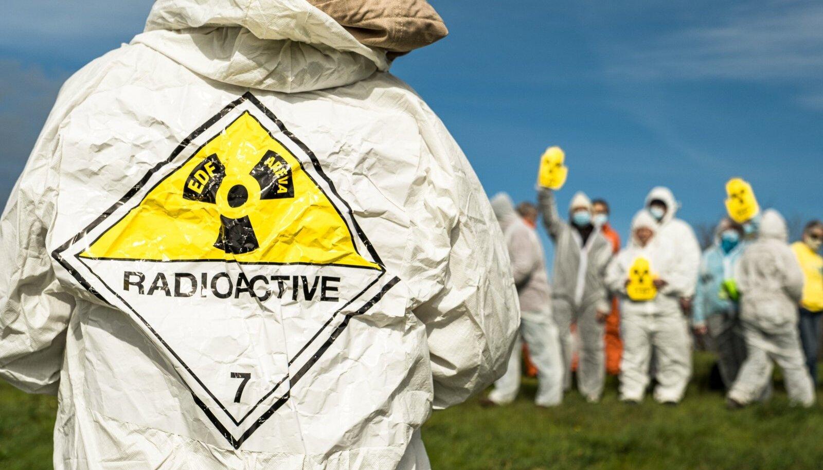 Prantslased soovivad tuumaenergiale lõppu: Fukushima katastroofi 10. aastapäeval kogunesid tuumaenergia vastased Prantsusmaal Lyoni linnas, et protesteerida tuumaenergia ja Bugey tuumaelektrijaama vastu.