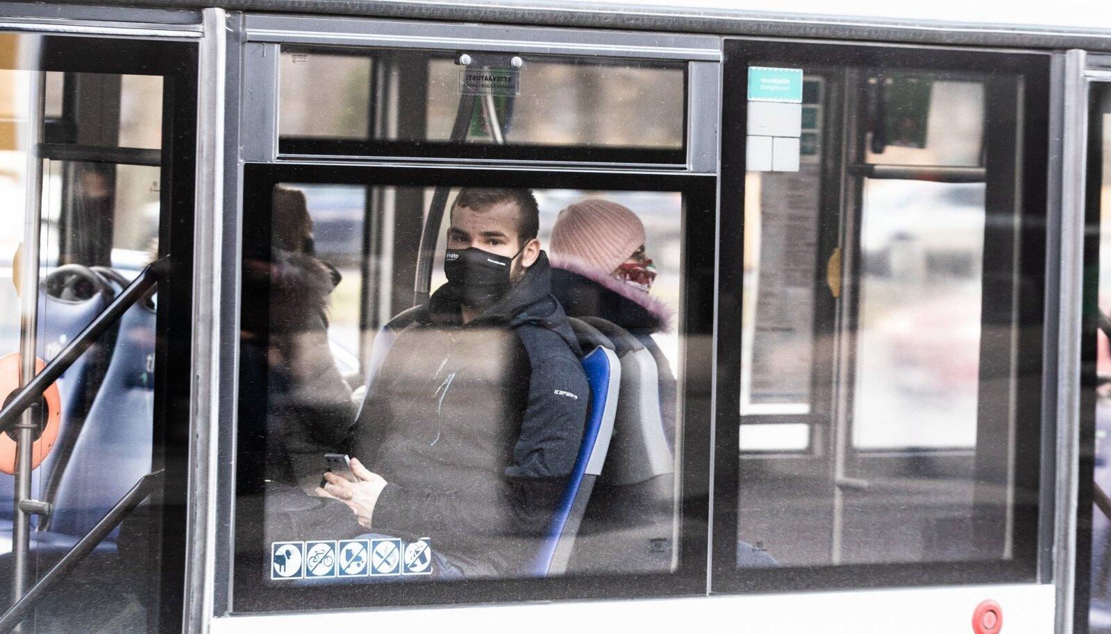 Maski tuleb kindlasti kanda ka ühistranspordis.