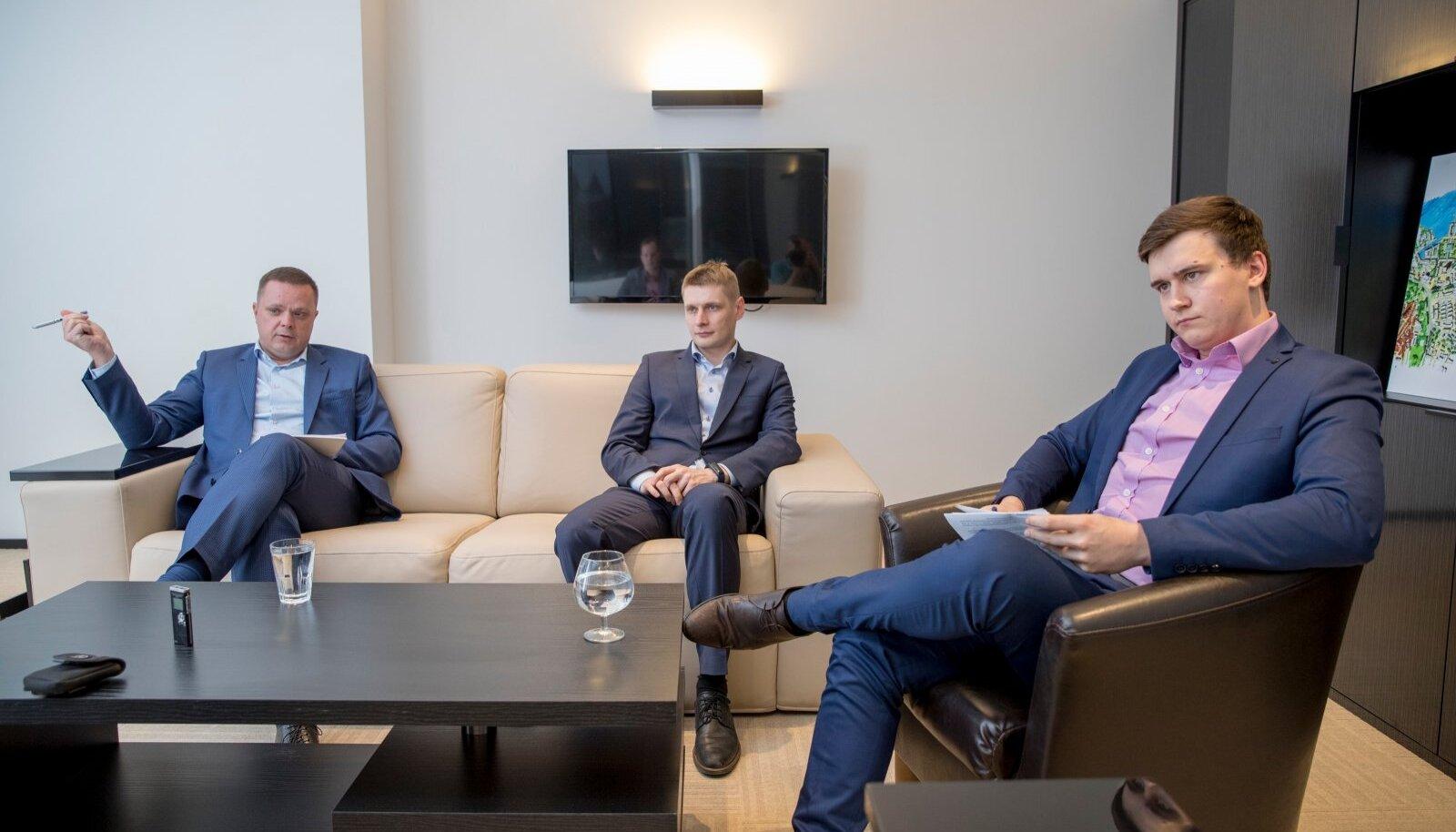 2017: Gerrit Mäesalu (keskel) Porto Franco toonase tegevjuhi Aldo Daponi (vasakul) ja Rauno Tederiga.