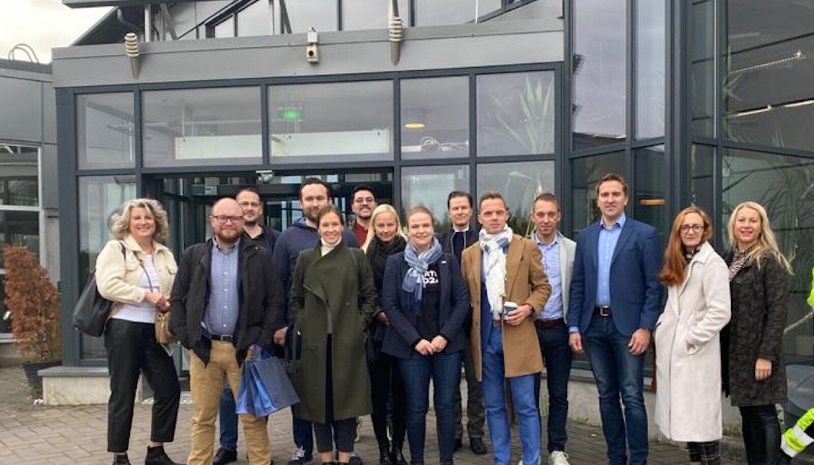 Tartumaa delegatsioon külastab Seinäjoki lennujaama.