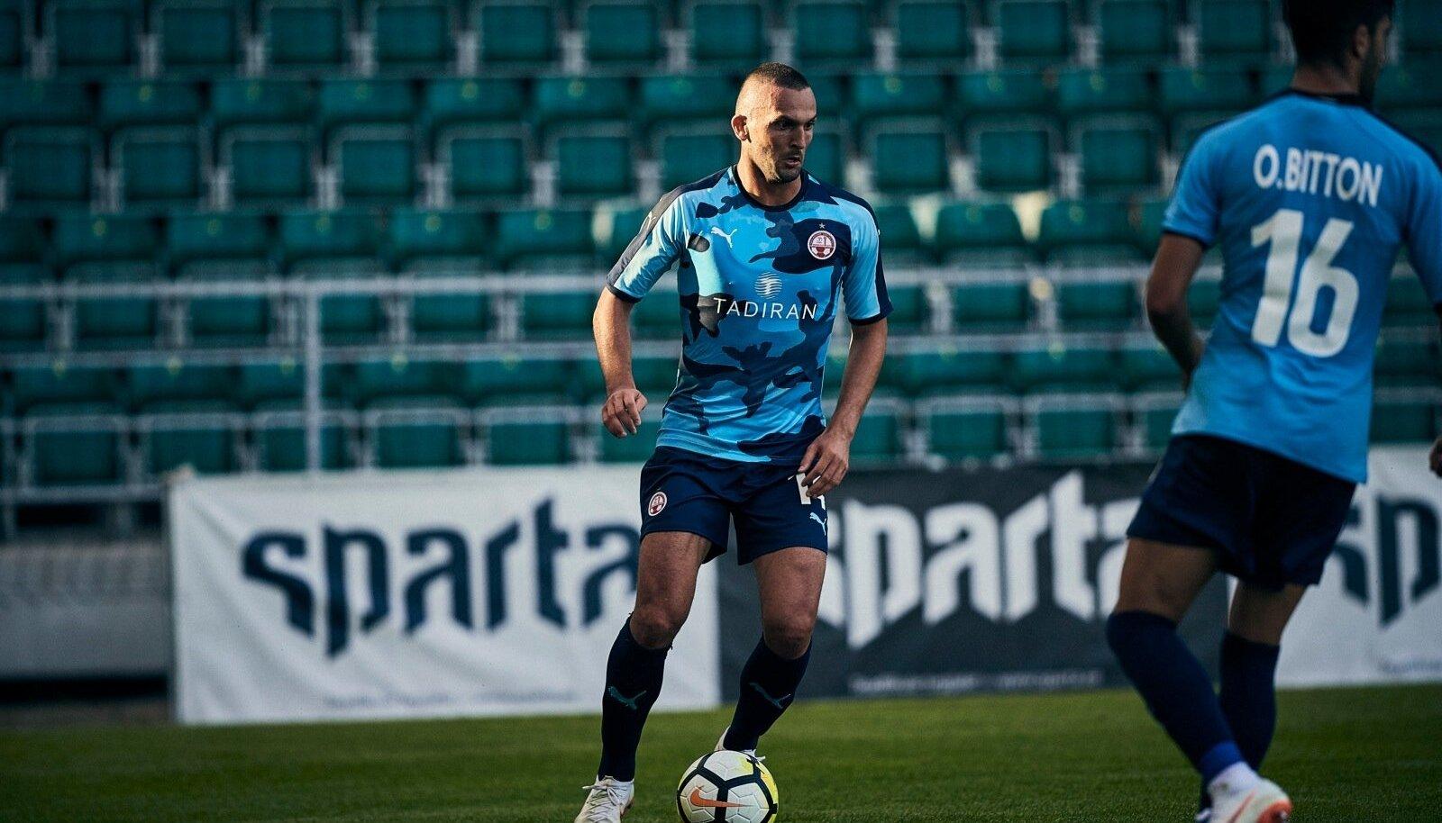 Be'er-Sheva Hapoeli mängijad kohtumises FC Floraga.