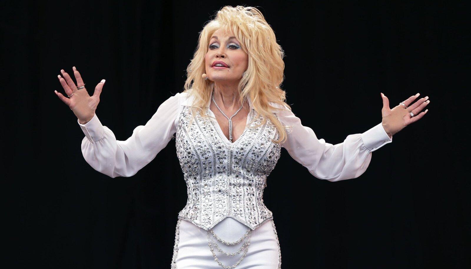 LIIGUTAB MAAILMA: Kantrilaulja Dolly Parton.