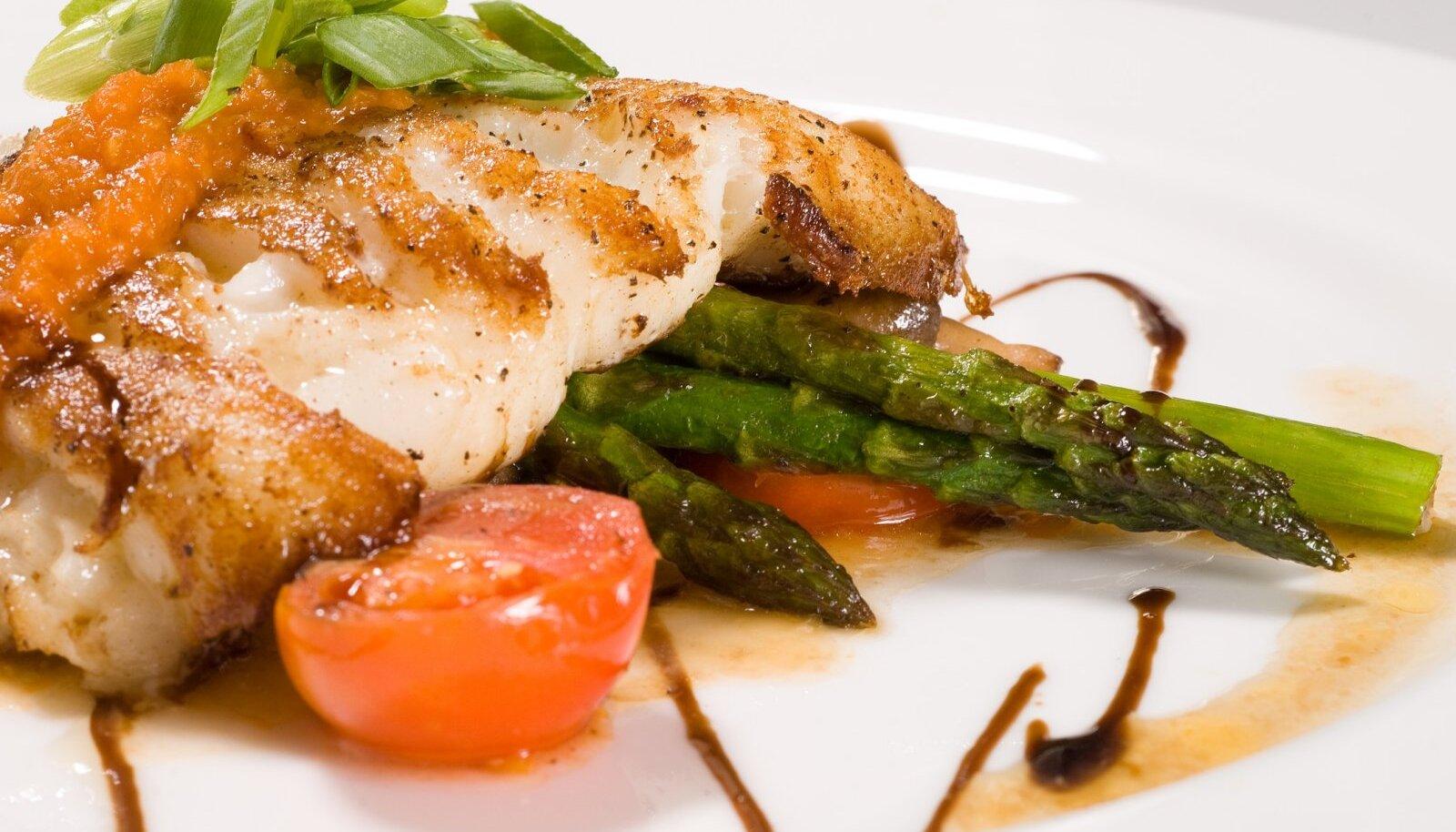 Bocuse d'Or Euroopa finaali taldrikul esitletava toidu peatooraineks on angersäga.