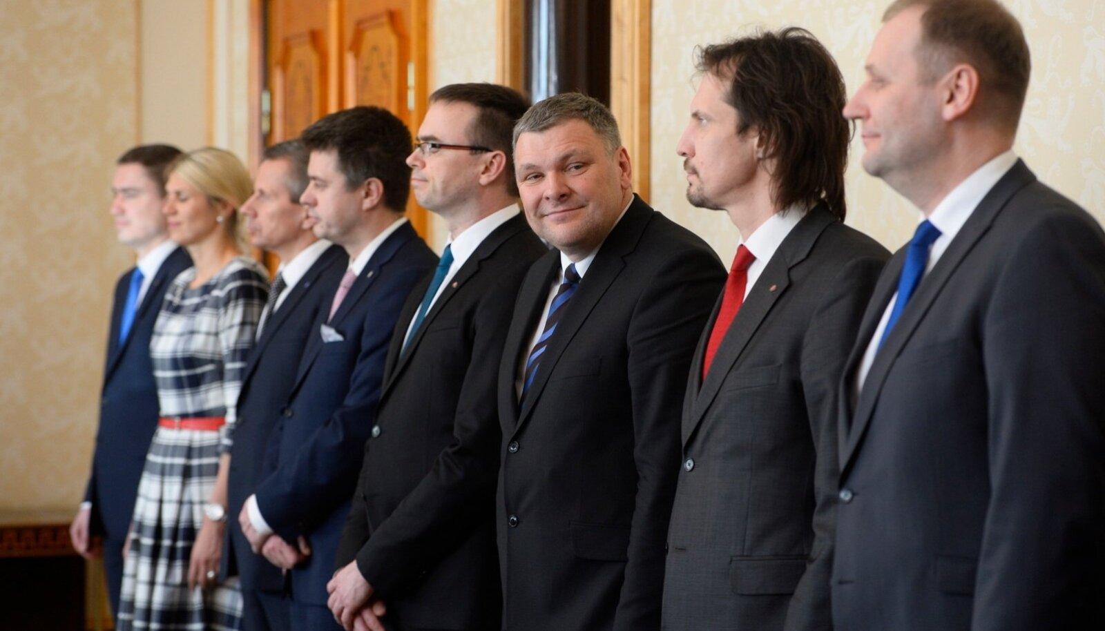 Ministrid saavad endale sobivad nõunikud ise valida.