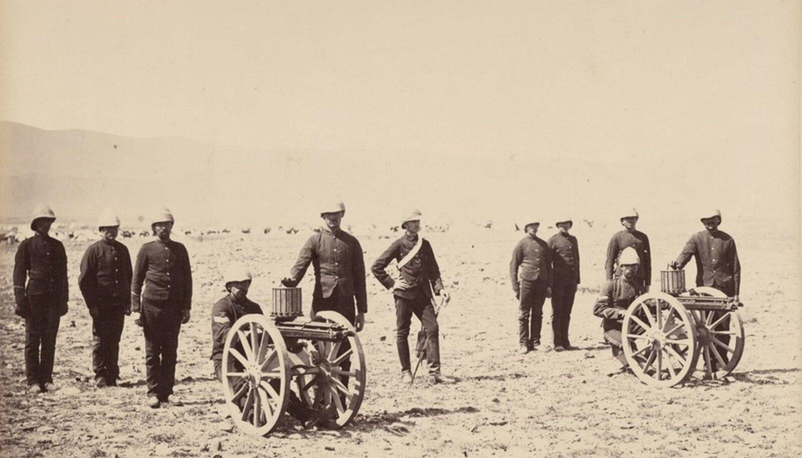 Briti sõdurid Gatlingi kuulipildujatega 1879. aastal Afganistanis (foto: Wikimedia Commons)