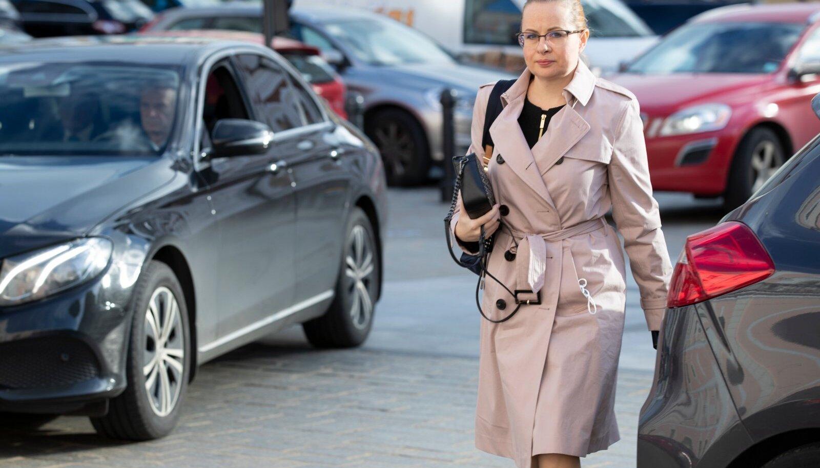 Riigikogulased saabuvad tööle, Maria Jufereva-Skuratovski