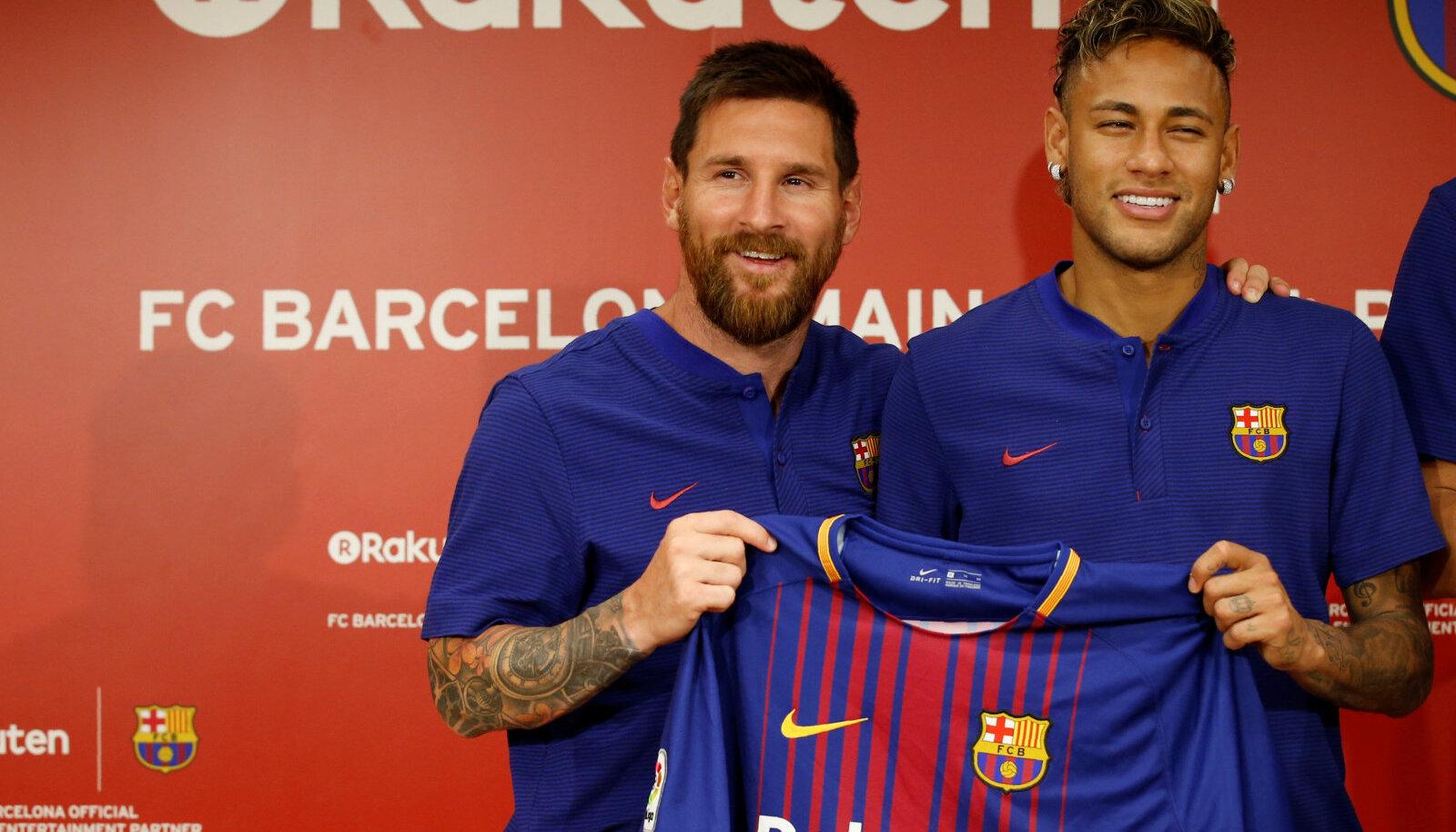 Lionel Messi ja Neymar uue särgisponsori esitlusel Jaapanis.