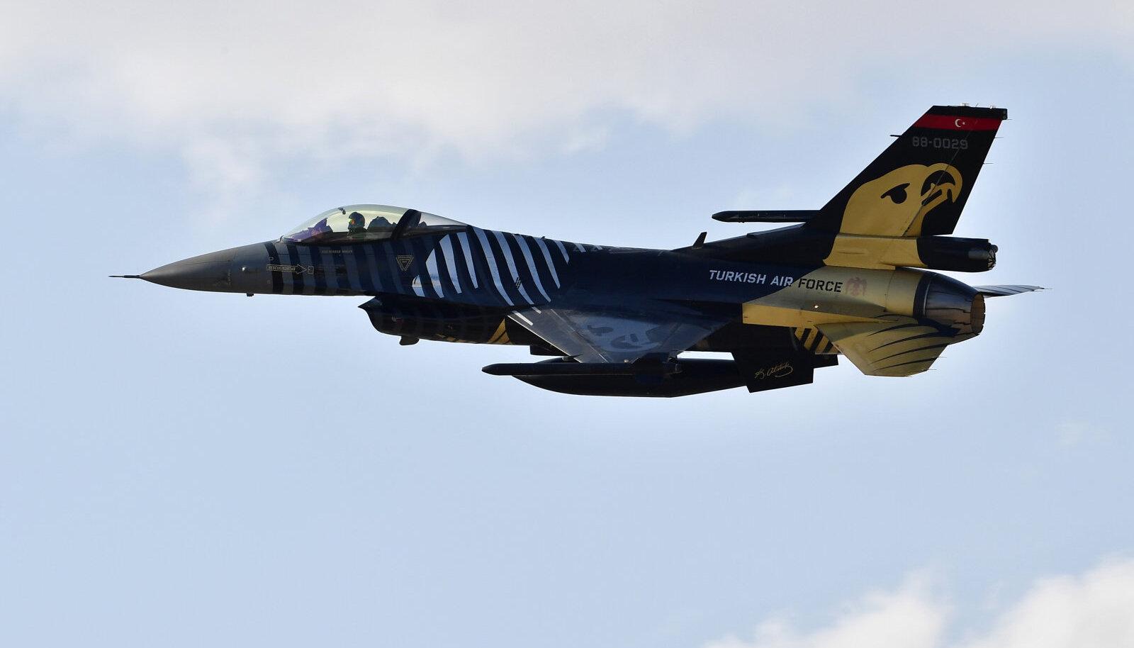 Türgi F-16